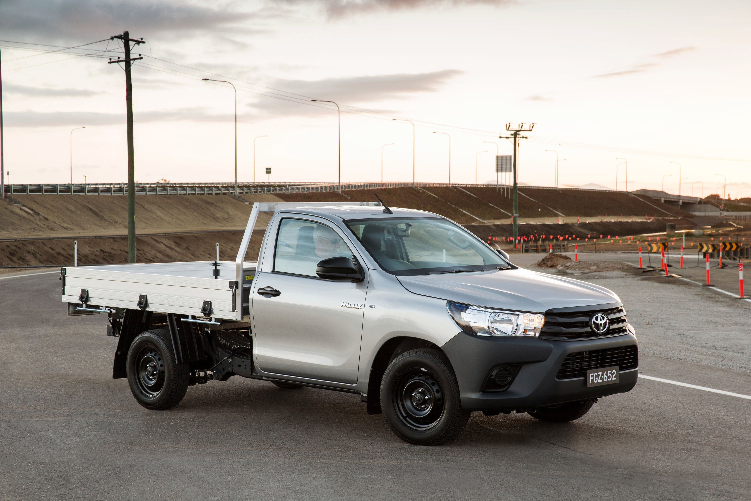 2016 toyota hilux sr 4x4 cab chassis review caradvice - 2015 Toyota Hilux 4 2 Workmate Single Cab Chassis