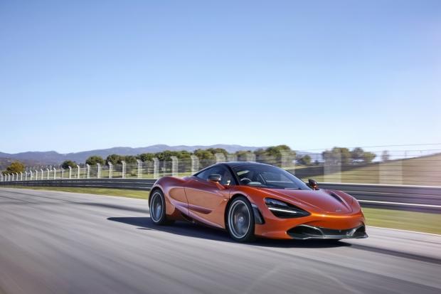 7517-McLaren+720S-18-Action